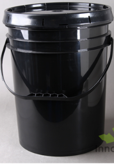 black pail with screw top lid